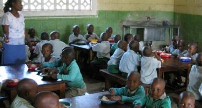 Eltviller Buben sammeln wieder für Kinder in Afrika